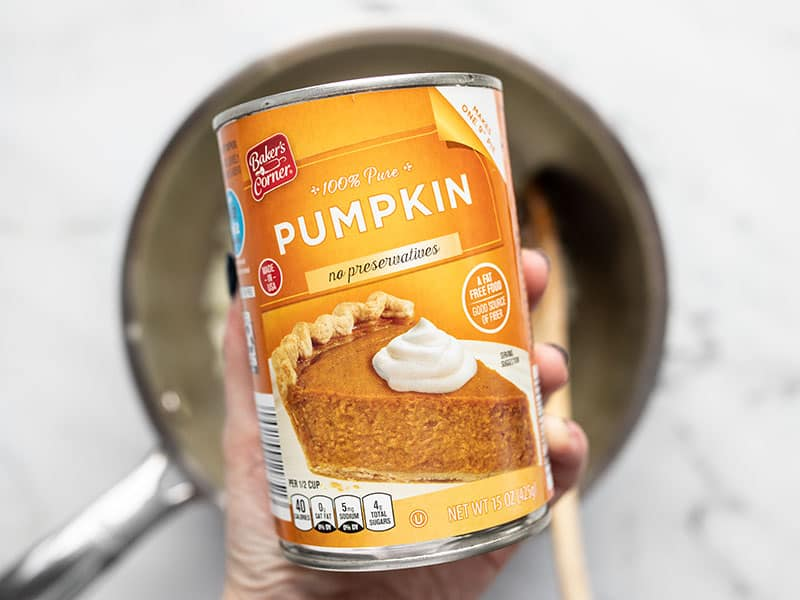 Can of pumpkin purée