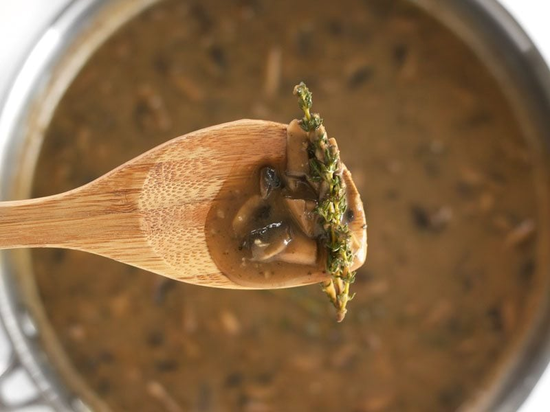 Thickened Mushroom Herb Gravy