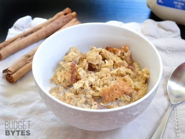 Cinnamon Date & Walnut Oatmeal