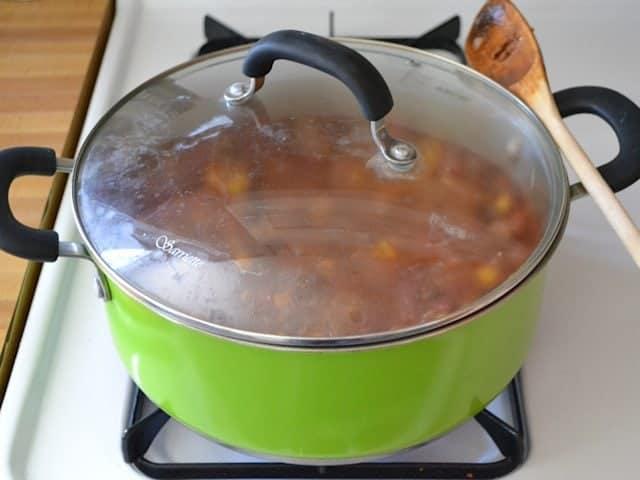Simmer chili pasta