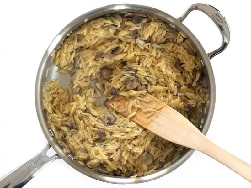 Cooked Orzo with Mushrooms