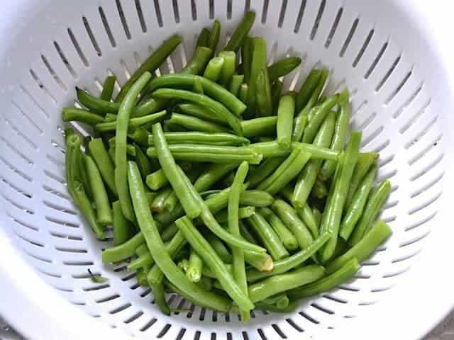 Clean Green Beans