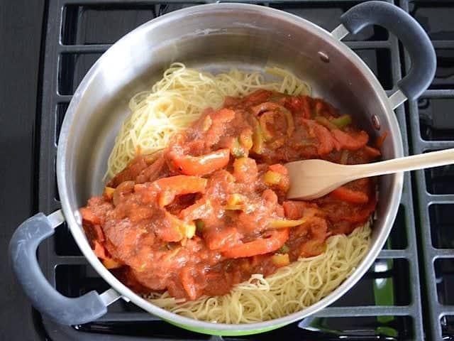 Add Sauce to Cooked Pasta