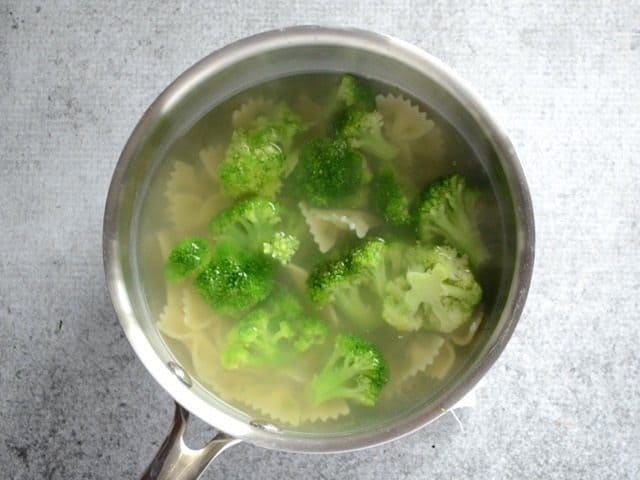 Boil Pasta and Broccoli