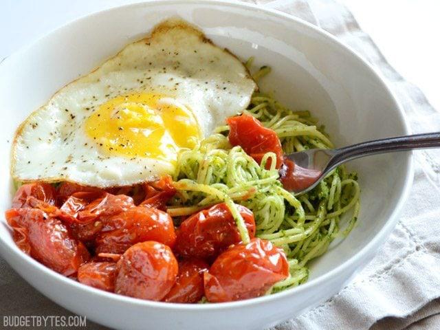 Parsley Pesto Pasta with Blistered Tomatoes - BudgetBytes.com