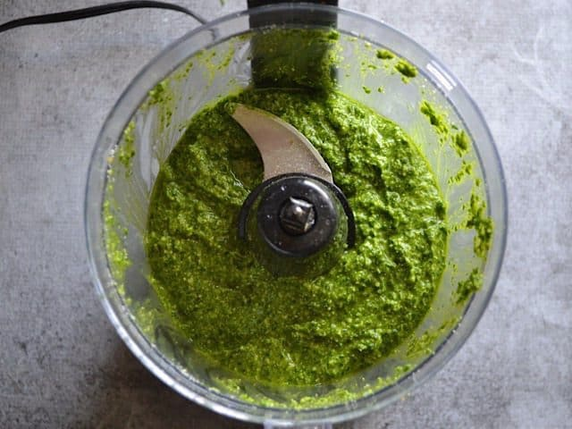 Finished parsley pesto in the food processor