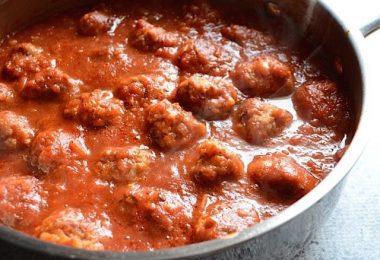 Simmered Skillet Meatballs and Marinara