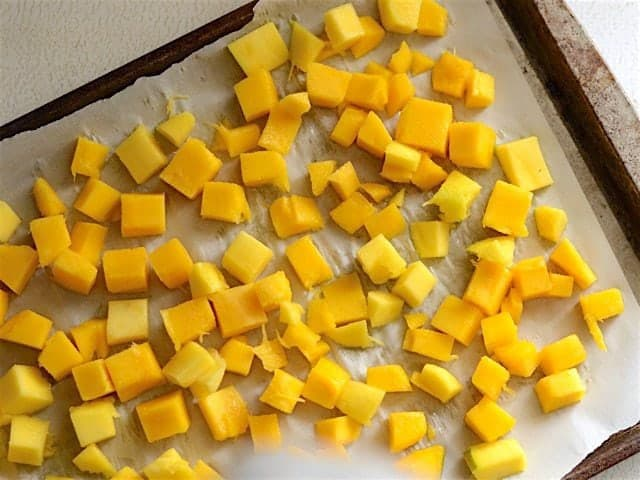 Mangoes ready to freeze