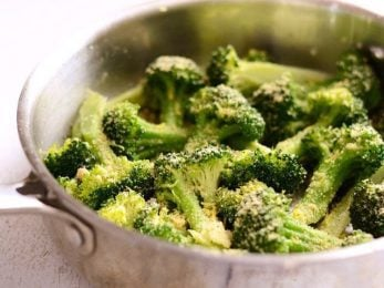 Quick Garlic Parmesan Broccoli - BudgetBytes.com