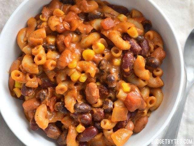 606a98472 Cheesy Vegetarian Chili Mac - Budget Bytes