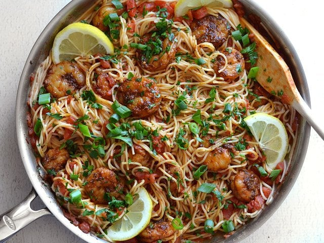 Add Parsley Onion and Lemon to shrimp pasta