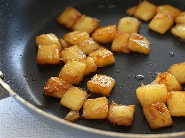 Caramelized Pineapple Chunkes