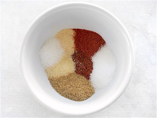 Chipotle Fajita Seasoning Mix in a small white bowl