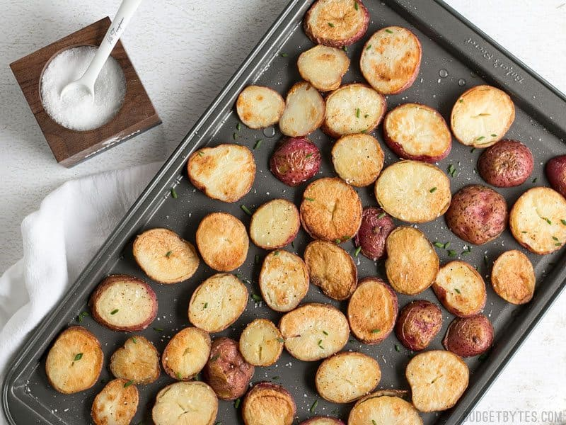 Salt & Vinegar Roasted Potatoes feature delicate and flakey Kosher salt, which provides a pop of flavor with every bite and a wonderfully crunchy texture. BudgetBytes.com