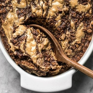 This Peanut Butter Brownie Baked Oatmeal is an indulgent-yet-healthy breakfast with rich chocolatey goodness and just a hint of sweetness. BudgetBytes.com