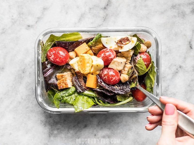 The special layering technique and low-moisture ingredients keep this Cobb Salad Meal Prep fresh and beautiful for days! Budgetbytes.com
