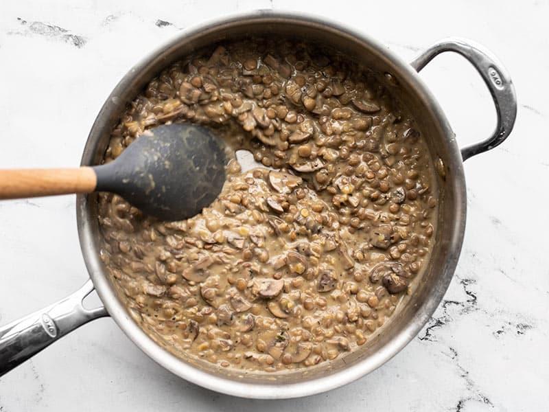 Simmered lentils in creamy mushroom gravy