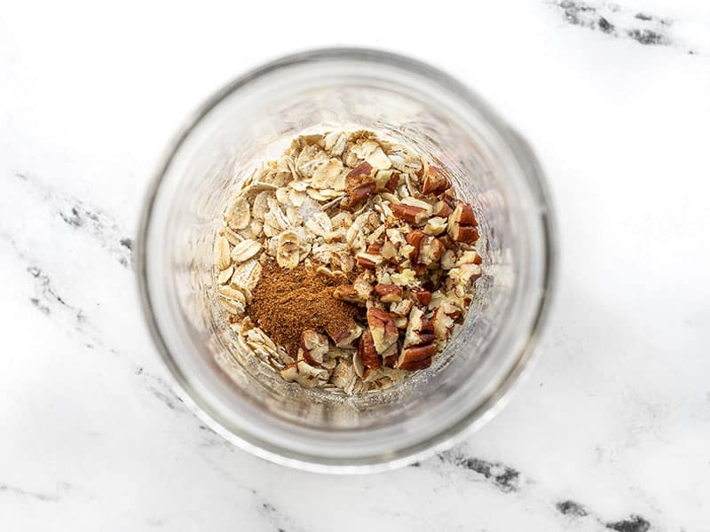 Pumpkin pie overnight oats dry ingredients in jar