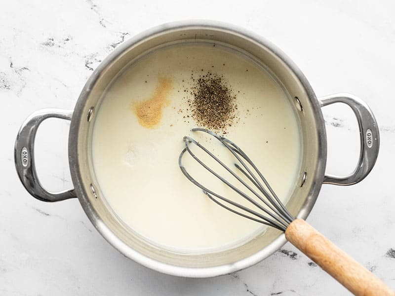 Seasoning in white sauce