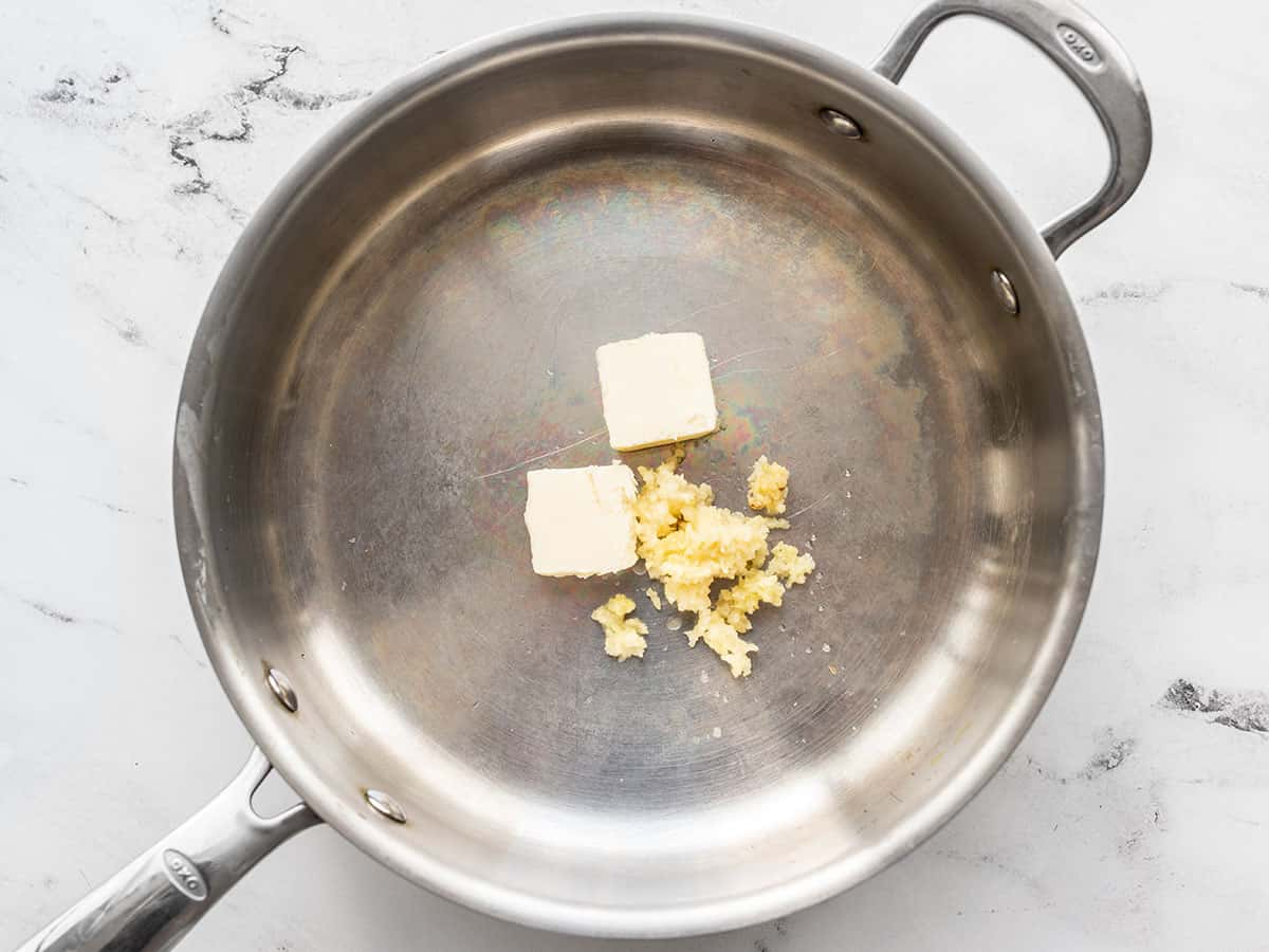 Garlic and butter in the skillet