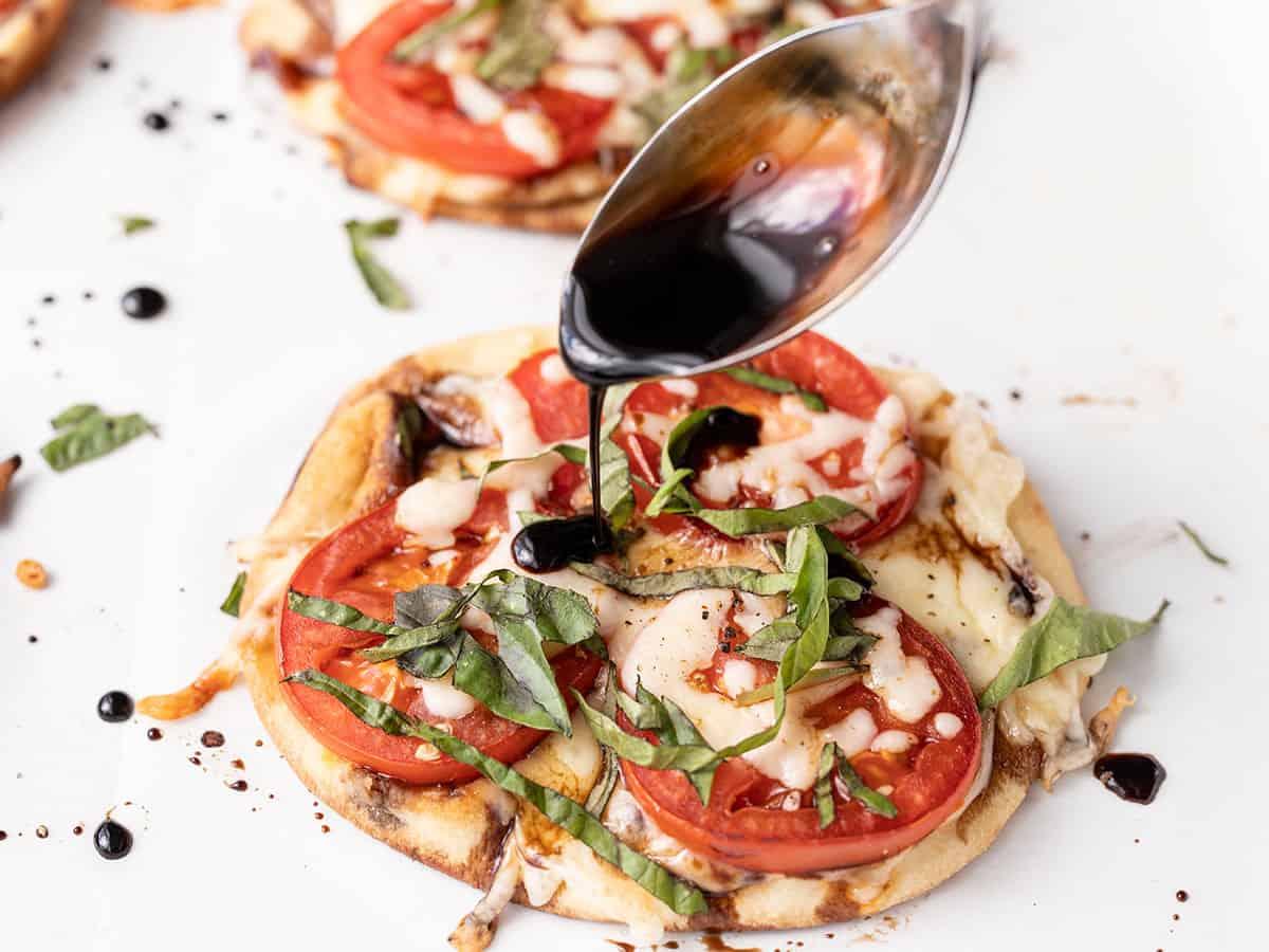 Easy Caprese Pizza